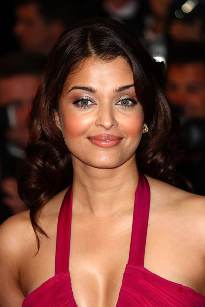 Sexy actress Aishwarya rai Hot Pictures, Spicy Hot Pictures, ...