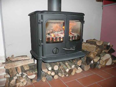Ecomondo cucinare con la stufa a legna - Stufe in ghisa a legna ...