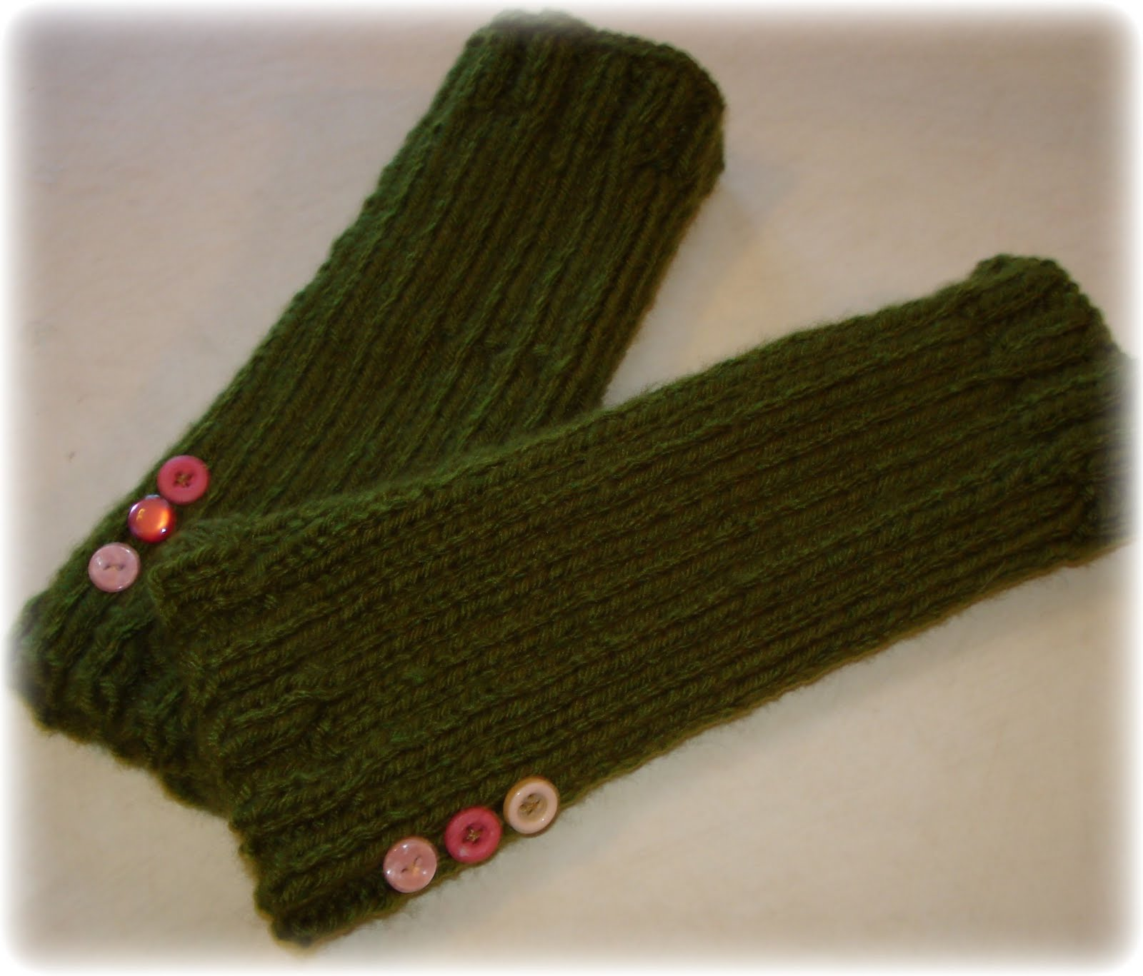 Knitting Pattern Easy Fingerless Gloves : twobutterflies: Super Easy Knit Fingerless Gloves
