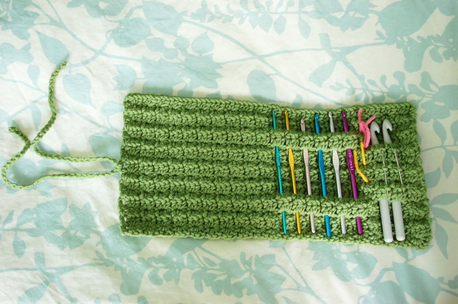Free Crochet Star Hook Case Pattern : Alli Crafts: Free Pattern: Star Hook Case