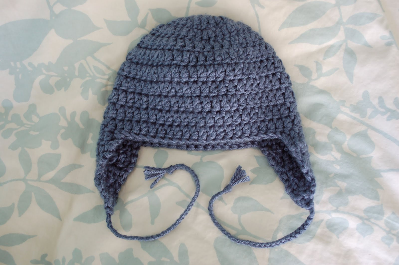 Crochet Pattern For Newborn Hat With Ear Flaps : Alli Crafts: Free Pattern: Kids Earflap Hat