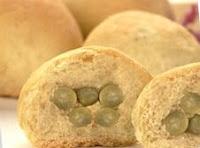 Pão Recheado com Ervilhas