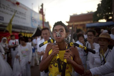 12piercing gartensche 676939g Extreme Piercing   Phuket Vegetarian Festival...