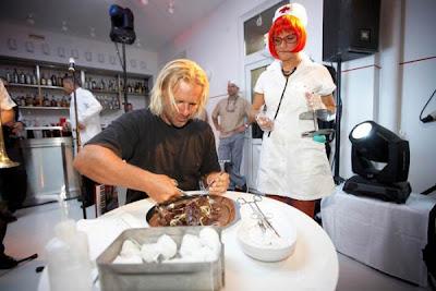 bizarre-stuff-Hospital-Restaurant-+Latvia-20