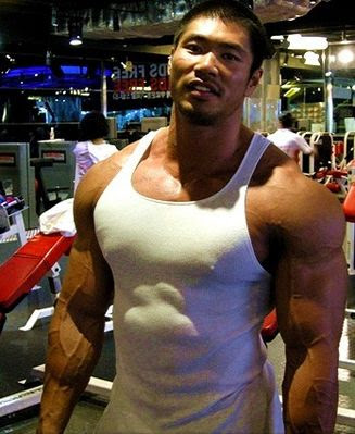 Gay Asian Muscle: Hot Photos of Asian Male Muscle Hunk