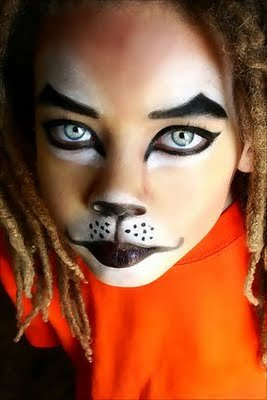 Halloween Cat Face Painting Photos http://themermaidandtheastronaut.blogspot.com/2010/10/face-painting.html