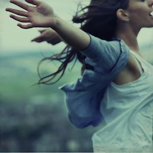 vive la vida y disfrútala al máximo, porque nadie, absolutamente nadie, lo va a hacer por ti
