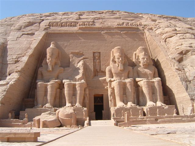 http://4.bp.blogspot.com/_X4qe7-HyiEs/TG4GBR5OHzI/AAAAAAAADNg/8xw7vyexRlw/s1600/Abu_simbel_temple.jpg