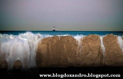 http://4.bp.blogspot.com/_X643PcxIPVk/SwHoTDUUmsI/AAAAAAAAd5U/hsHnAJyoi8M/s1600/fim-do-mundo.jpg