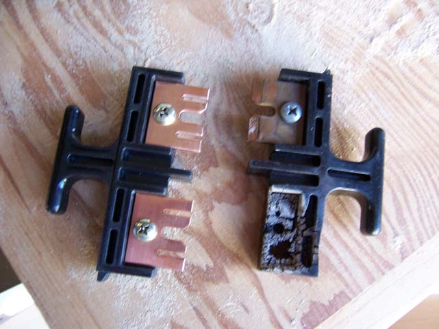 lorne court a new ac disconnect box can you guess which one is new and which one is the bad one the following picture shows where the bar is supposed to go when it is placed in the box
