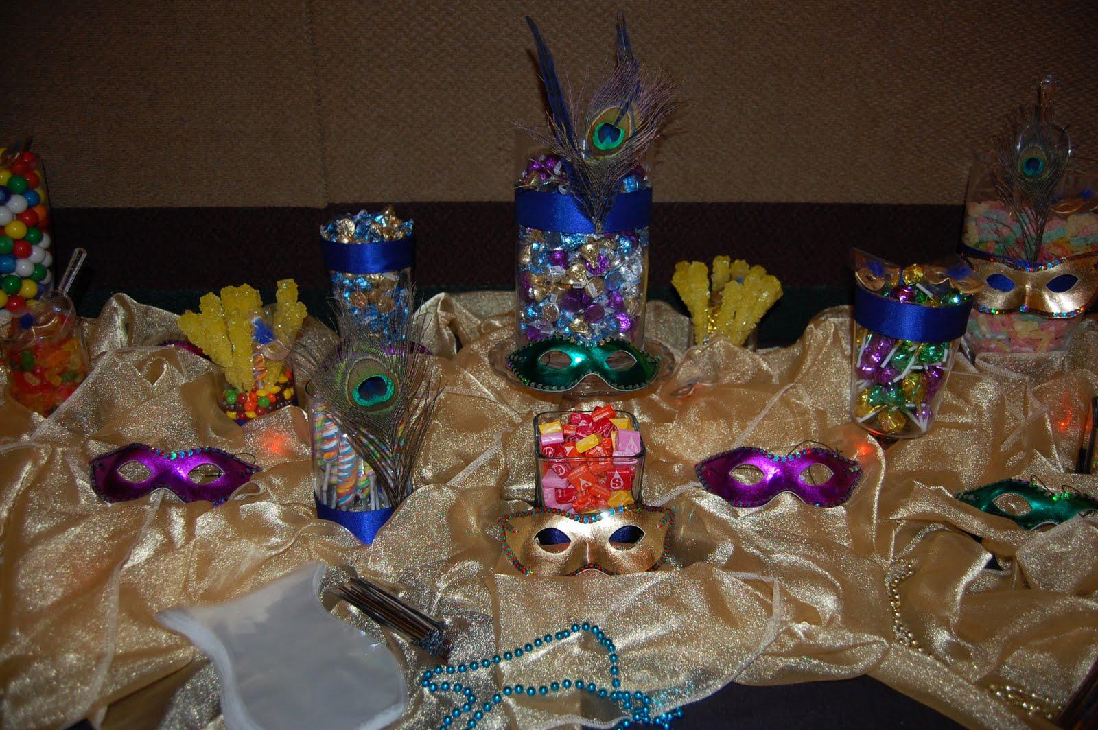 Masquerade centerpiece 4 cake ideas and designs for Quinceanera decoration