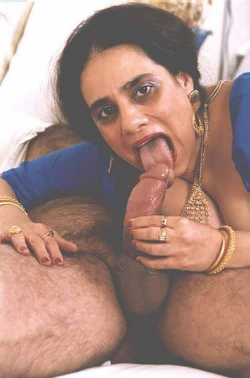 Desi Aunty Sucking Cock
