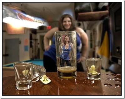 http://4.bp.blogspot.com/_XAWRh-cWdds/TScmtlPgB5I/AAAAAAAACJM/gHbgT1CjP8M/s400/funny_woman_picture2.jpg
