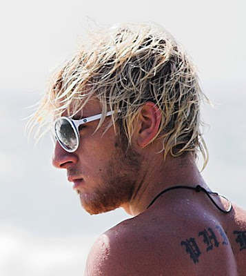 Surfer hair with messy texture