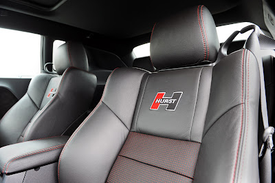2010 Hurst Silver and Black Series 4 Challenger - Seats