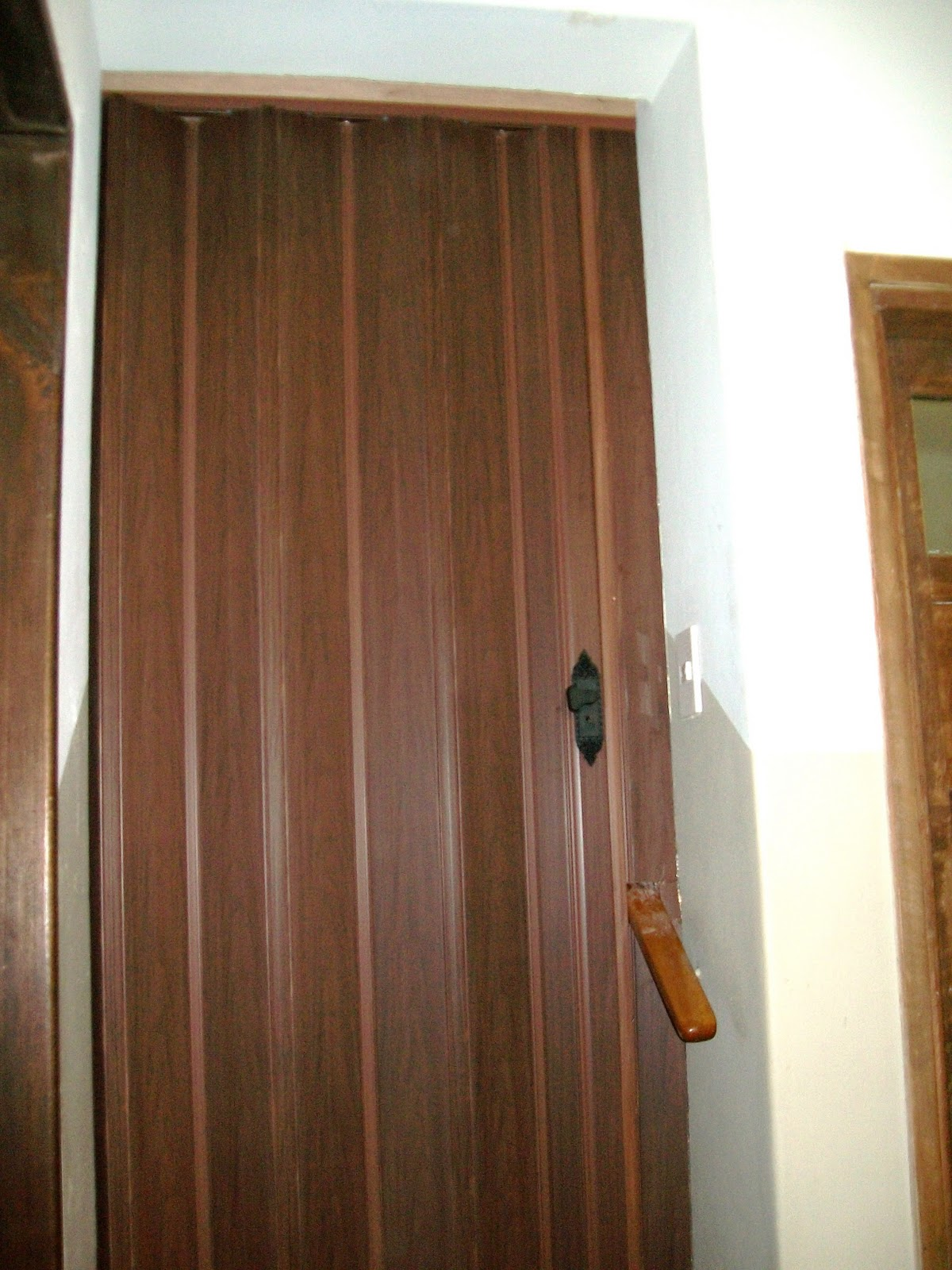 Percinas y servicios puertas plegables - Colores de puertas de madera ...