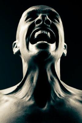 angry menjerit marah mengamuk