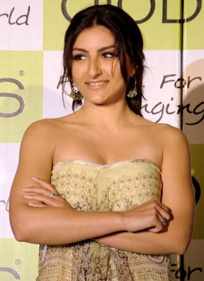 soha ali khan wallpapers. Soha ali khan wallpapers 2011