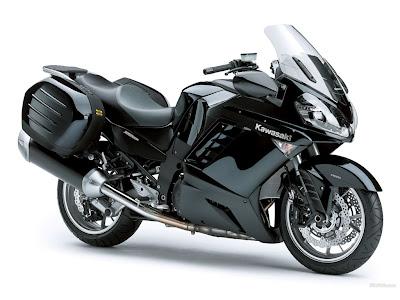 Kawasaki 1400 GTR pictures