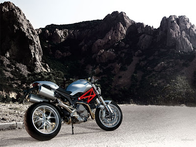 Ducati Monster 1100 pictures