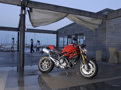 Ducati Monster 1100 photo