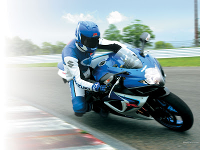 Suzuki GSX-R600 with rider
