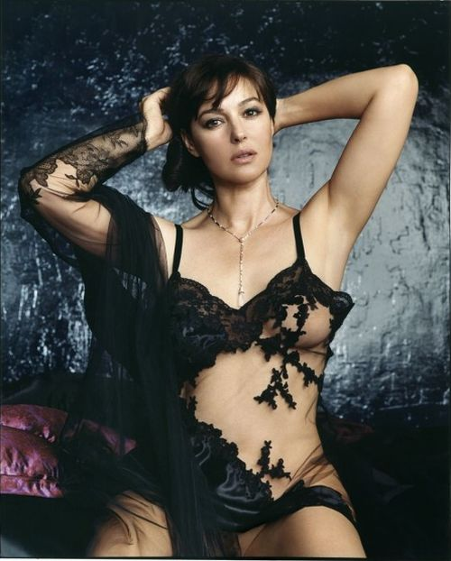 monica bellucci sexy images