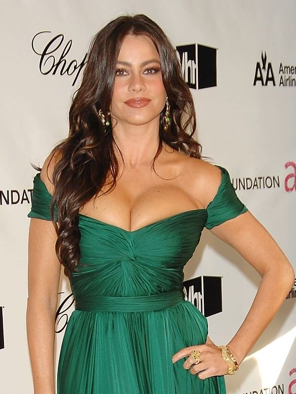 Sofia Vergara In Sexy Tight Dress