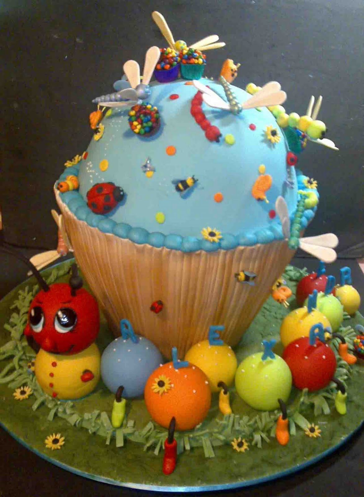 Crumbs Cake Art Facebook : Welcome to CrumbsCakeArt.blogspot.com: Wonderful Cake ...