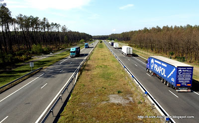 Trucks on N10 in Landes