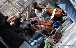 Street Mozart concert in Paris