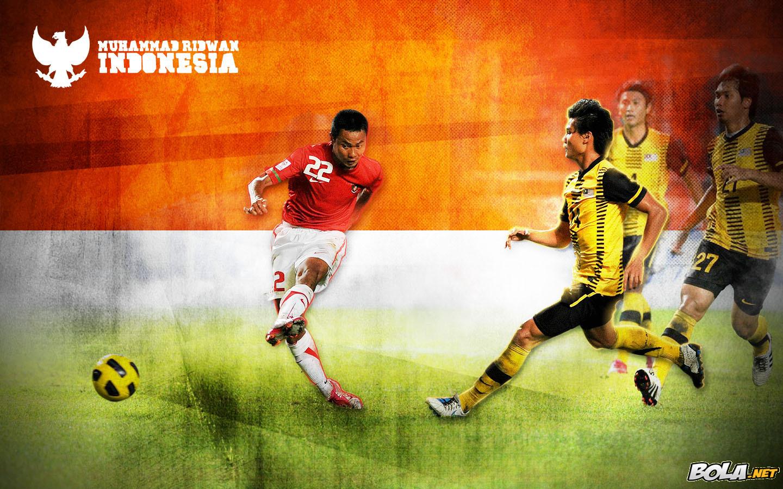 http://4.bp.blogspot.com/_XHF7ERdNbuE/TRbsubikqoI/AAAAAAAAAOE/Sk1gE_1zpEk/s1600/Wallpaper-Timnas-Indonesia-Muhammad-Ridwan.jpg