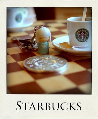 Raimundinha no Starbucks