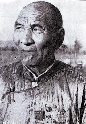Mongolian wrestling techniques