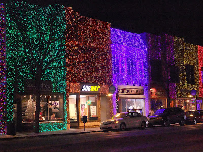christmas lights on downtown buildings, rochester mighigan, main street