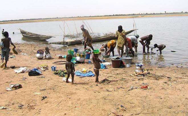 Purification dans le fleuve Niger
