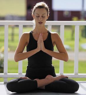 http://4.bp.blogspot.com/_XN2_TkPnXQ0/SV_PDNcadlI/AAAAAAAAACI/dAMndSExlOU/s400/yoga-hr.jpg