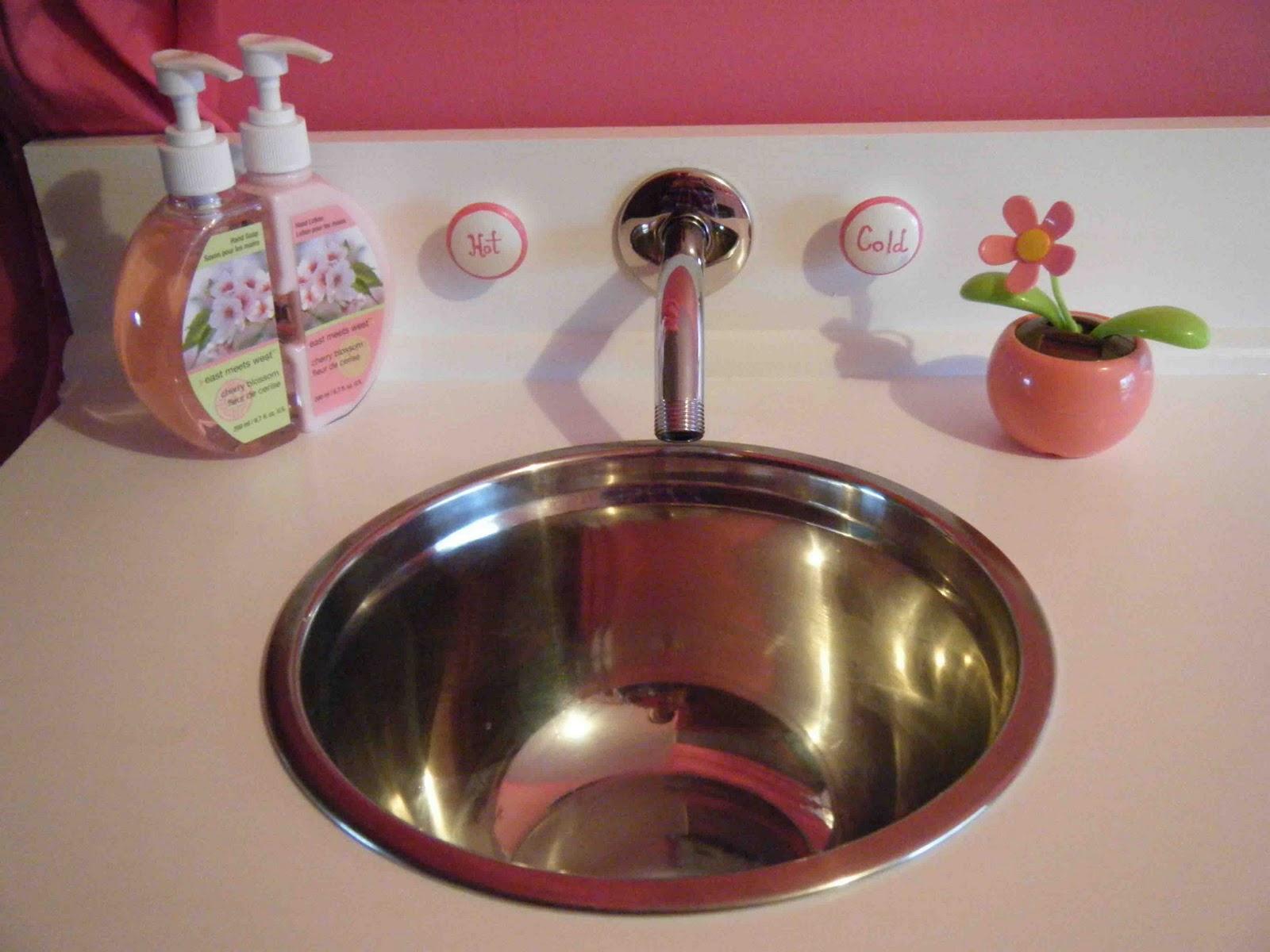 xx diy: play kitchen faucet knobs