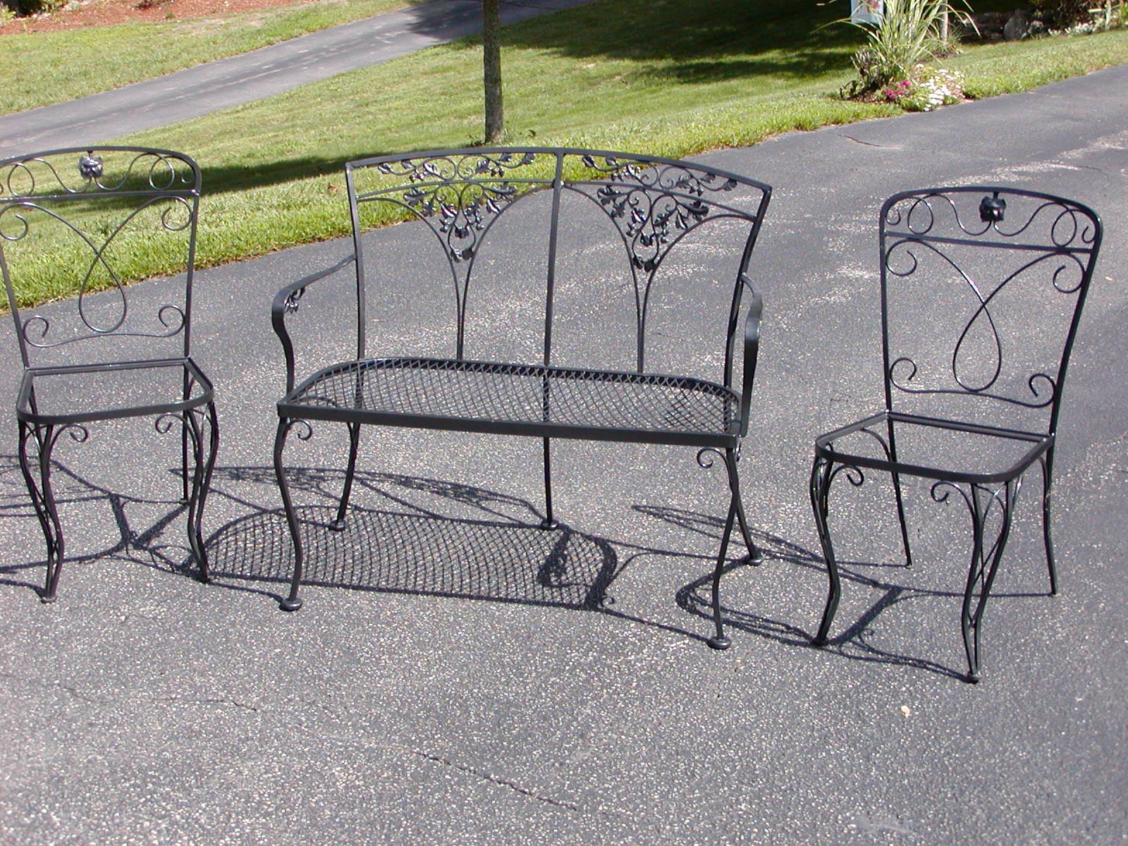 Sfrye732 blog wrought iron patio furniture refurbished for Rod iron patio furniture
