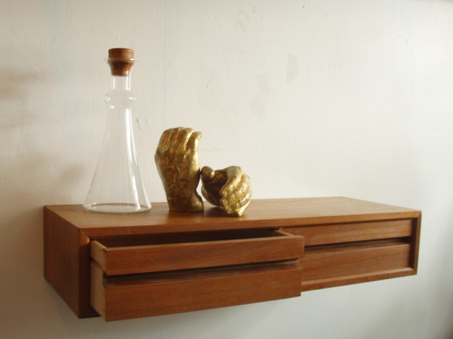 Severely Vintage: POUL CADO FLOATING WALL SHELF