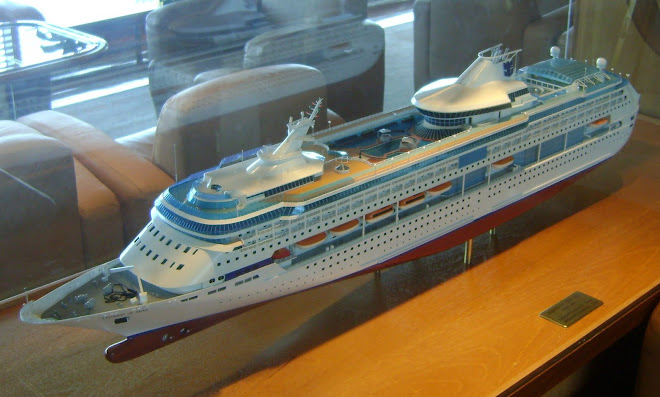 ship model Splendour of the Seas