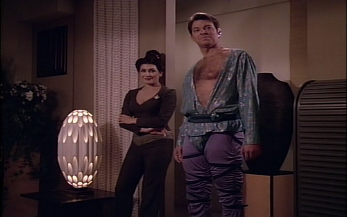 an introduction to gender roles in star trek next generation In star trek next generation one of biggest issues is gender roles sexuality has played a little role in star trek it showed a woman who's only purpose in life was for procreation.