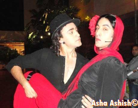 http://4.bp.blogspot.com/_XTsBnCr4cxg/TUU6MPqJe0I/AAAAAAAAAng/5lh7GxhBlvE/s640/Imran+Khan+and+Ranbir+Kapoor+as+Ethan+and+Sofia.jpg