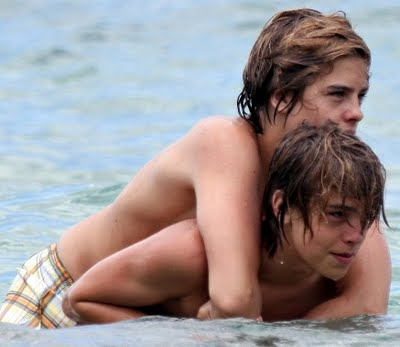 Zac e Cold ( Dylan e Cole Sprouse )