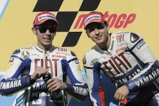 BalapMotoGP2009_FIAT_YAMAHA_Team