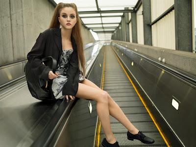 Vogue_Nippon_Devon_Aoki@marielscastle.blogspot.com