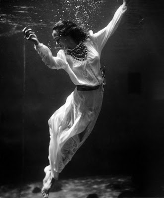 fashion_photography_under_water@http://marielscastle.blogspot.com