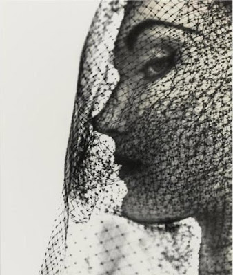 Veiled_model_photo_Irving_Penn@http://marielscastle.blogspot.com