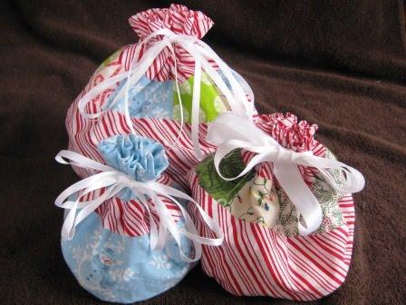 [Christmas+gift+bags+006.JPG]