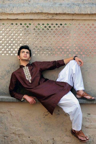 5031 115679370451 603070451 2912790 1916788 n - Munib Nawaz's Kurta Collection for Men